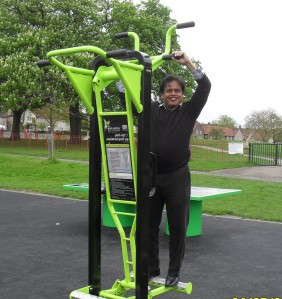Cllr Francis trying out the gym