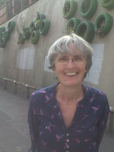 Cllr Jackie Meldrum admires green vertical garden